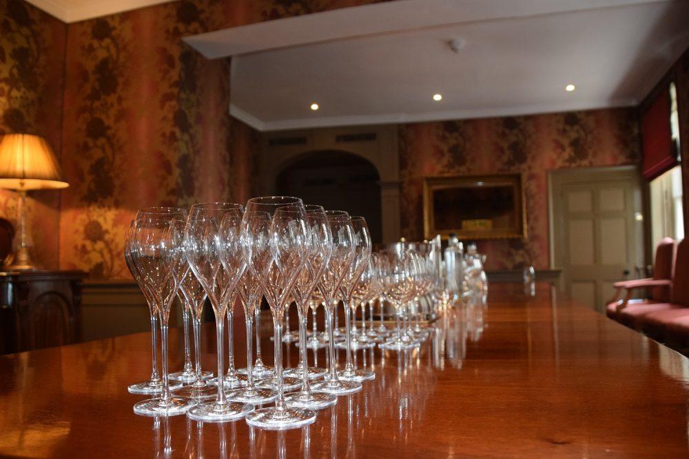 wine-event-glasses